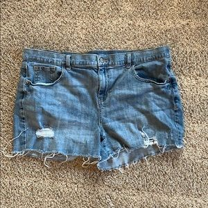 Denim Old Navy sz 16 boyfriend cut off shorts